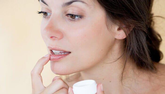 Você sabe como ter bons cuidados com os lábios?
